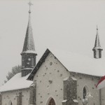 Alte Kirche im Winter